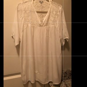 Beautiful flowy top with lace detail!